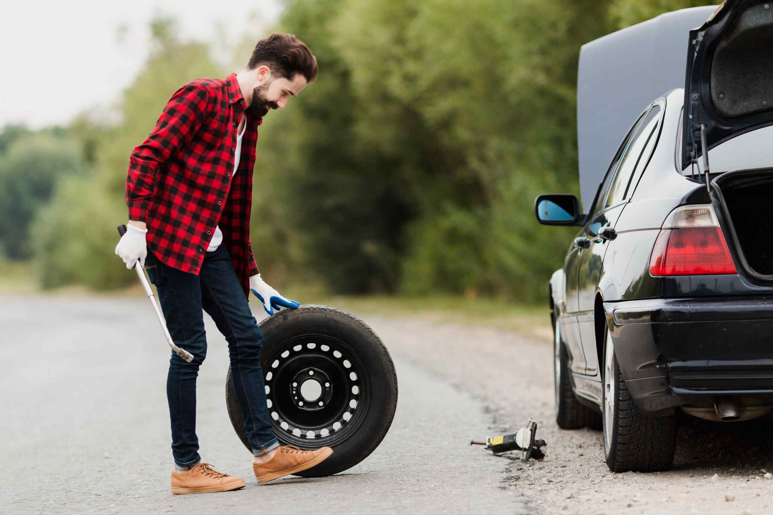 spare tire - Spare wheel for flat tire