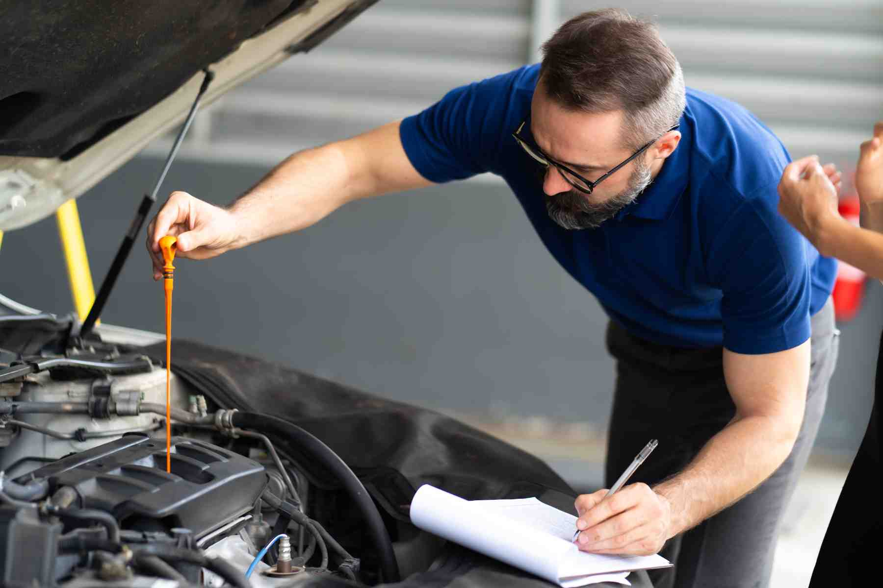 Check engine oil to Get Better Fuel Mileage for your car